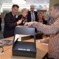 Ministerpräsidentin Hannelore Kraft, Wirtschaftsminister Garrelt Duin und Innovationssministerin Svenja Schulze informieren sich auf der CeBIT 2015