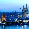 Das Foto zeigt Köln von der rechten Rheinseite aus.
