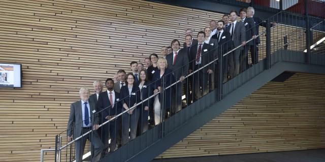 Gruppenbild auf einer Treppe