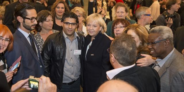 Ministerpräsidentin Kraft in einer Menschenmenge
