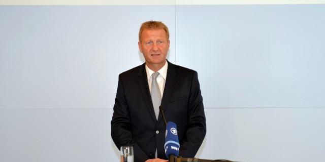 Statement von Innenminister Ralf Jäger zur neuen Flüchtlingsprognose des Bundes