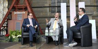 Ministerpräsident Laschet diskutiert am Forum Politicum