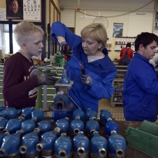Ministerpräsidentin Hannelore Kraft beim TatKraft-Einsatz in Bad Oeynhausen