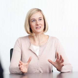 Porträtfoto Christina Kampmann, Ministerin für Familie, Kinder, Jugend, Kultur und Sport