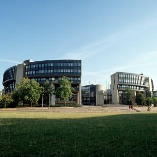 Bild der Frontseite des Landtagsgebäude