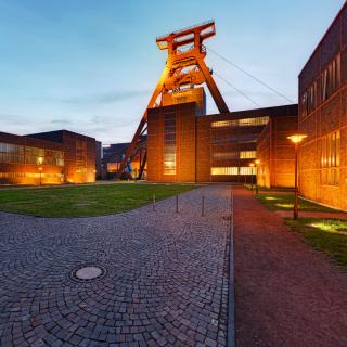 Bild des Förderturms der Zeche Zollverein