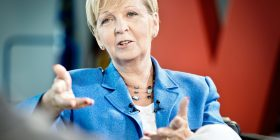 Porträtfoto von Ministerpräsidentin Hannelore Kraft