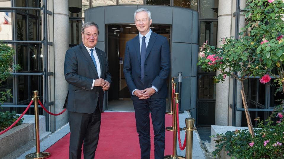 Armin Laschet Reist Zu Beginn Der Deutschen Eu Ratsprasidentschaft Nach Paris Das Landesportal Wir In Nrw