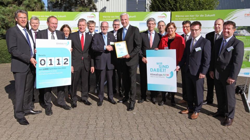 Wirtschaftsminister Garrelt Duin überreicht KlimaExpo.NRW-Urkunde an das Projekt Fernwärmeschiene Rhein-Ruhr