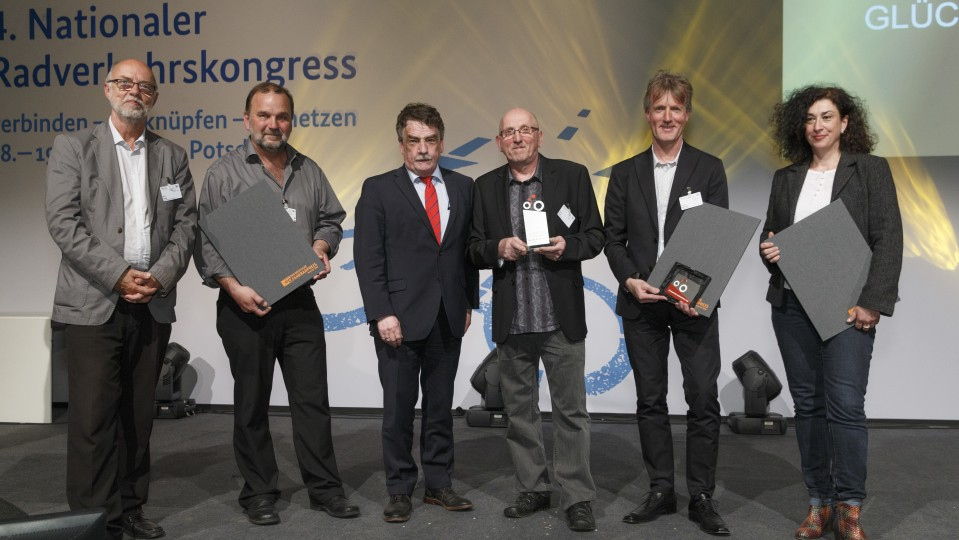 Gruppenfoto mit den Preisträgern des Deutschen Fahrrdpreises 2015