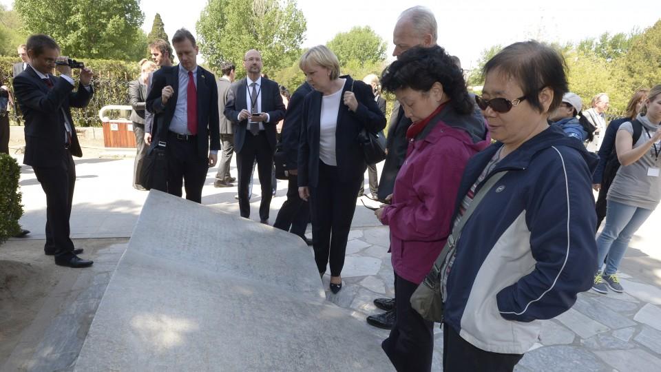 Ministerpräsidentin Hannelore Kraft besucht die Ruinen des Kaiserpalastes