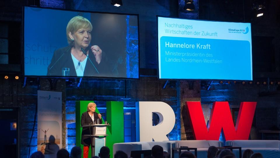 Ministerpräsidentin Hannelore Kraft bei ihrer Eröffnungsrede der Jahresveranstaltung 2015 der KlimaExpo.NRW