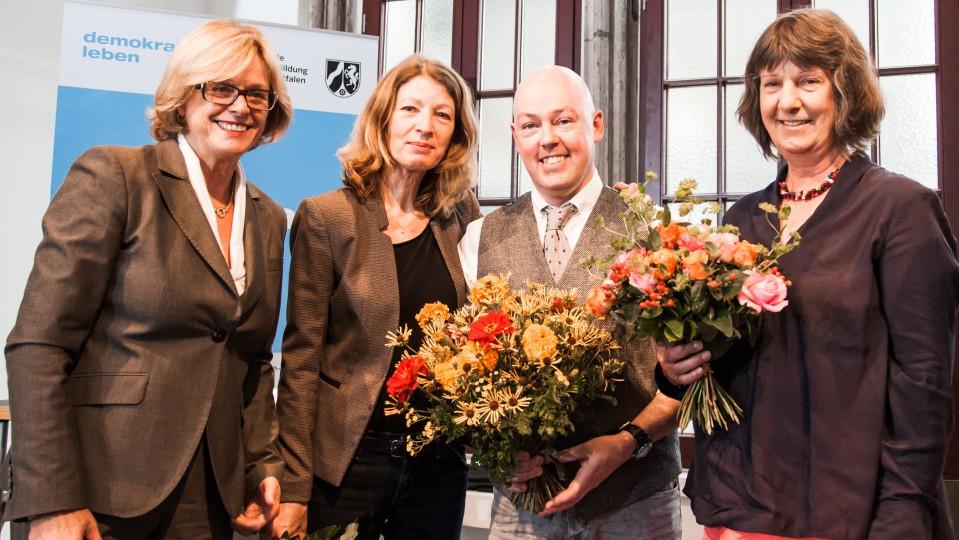 Ministerin Schäfer verleiht den 32. Gustav-Heinemann-Friedenspreis