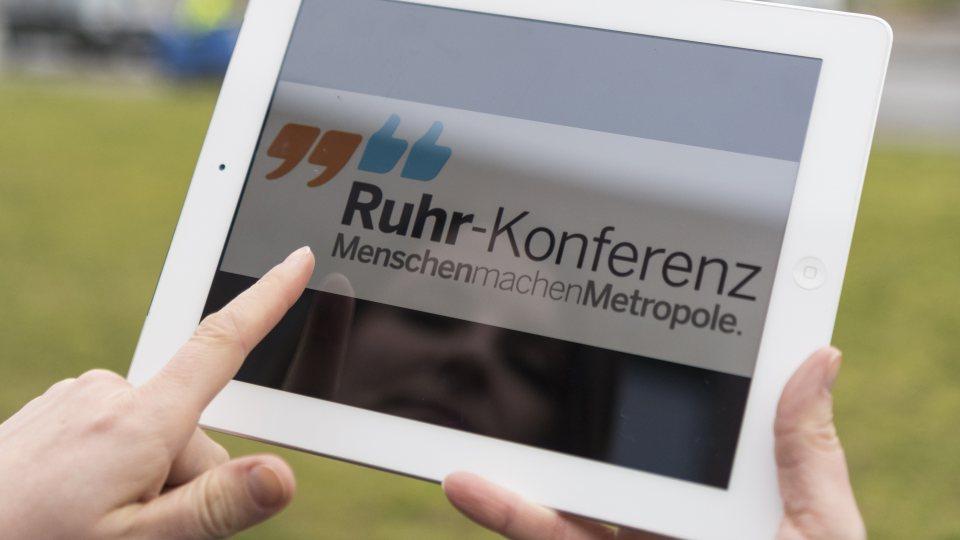 Themenbild Ruhr-Konferenz Tablett