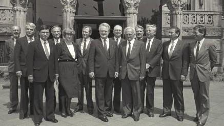 Das Bild zeigt das 3. Kabinett Rau.