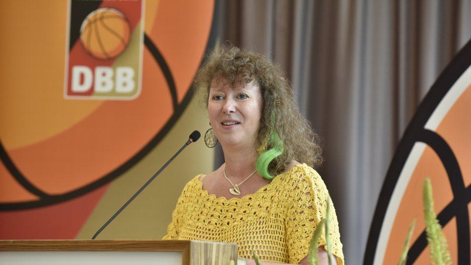 Staatssekretärin Andrea Milz beim Bundestag des Deutschen Basketball Bundes in Essen.