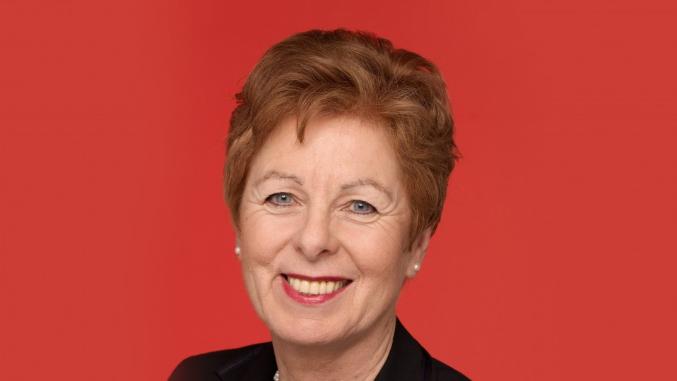Porträtbild von Ministerin Schwall-Düren