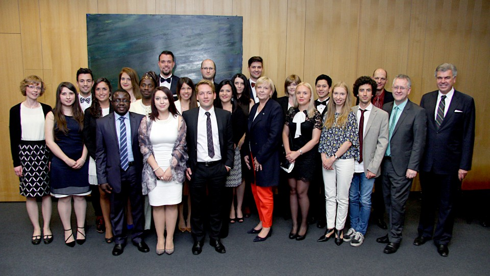 Das Foto zeigt Ministerpräsidentin Kraft bei der Abschlussfeier am Zentrum für Europäische Integrationsforschung der Universität Bonn