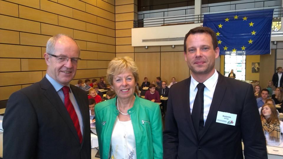 Ministerin Schwall-Düren bei der Simulation des Europäischen Parlaments