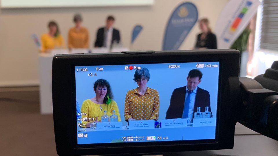 Staatssekretärin Andrea Milz in der Pressekonferenz zum Startschuss der Fecht-EM-