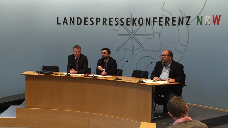 Polizei und Justiz in NRW verstärken gemeinsam den Kampf gegen die rechtsextremistische Hetze im Internet gegen Flüchtlinge und Helfer