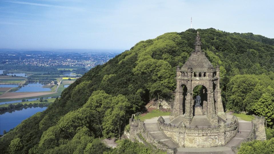 Das Bild zeigt das Kaiser Wilhelm Denkmal an der Porta Westfalica.
