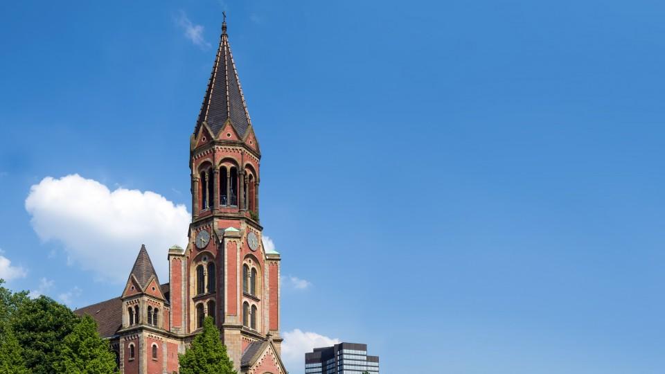 Außenansicht der Essener Kreuzeskirche