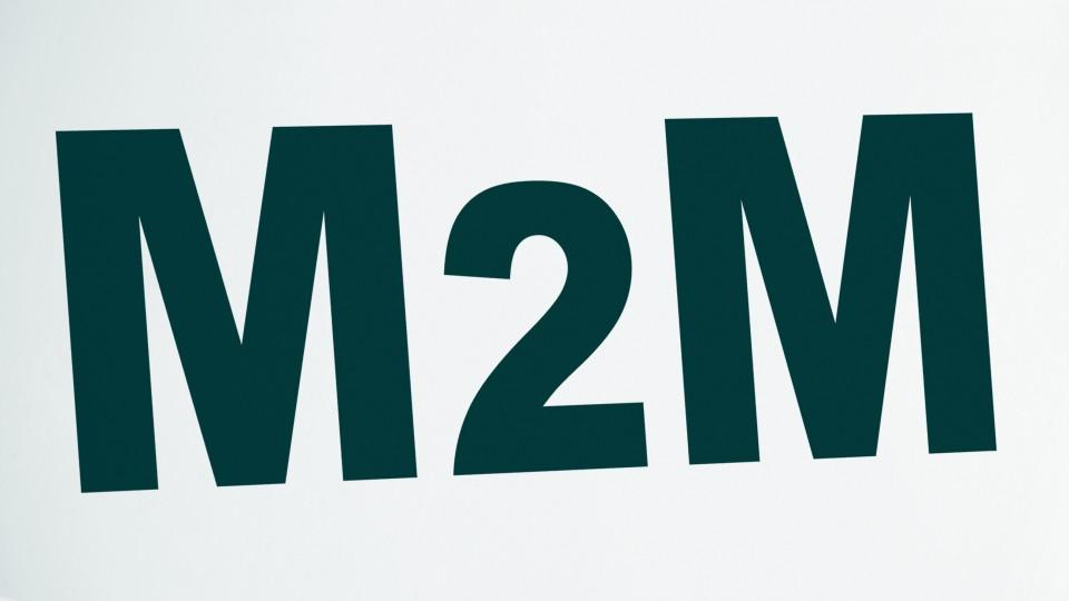 Bild zeigt den Schriftzug M2M
