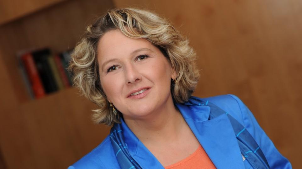 Porträtfoto von Ministerin Svenja Schulze